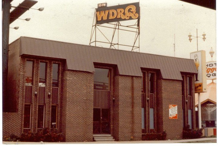 Wdrq on 8 mile greenfield for Motor city pawn shop on 8 mile
